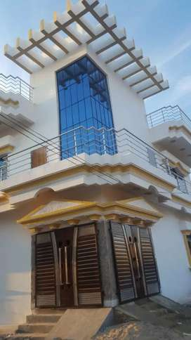 5bedroom duplex house with 3 bathroom