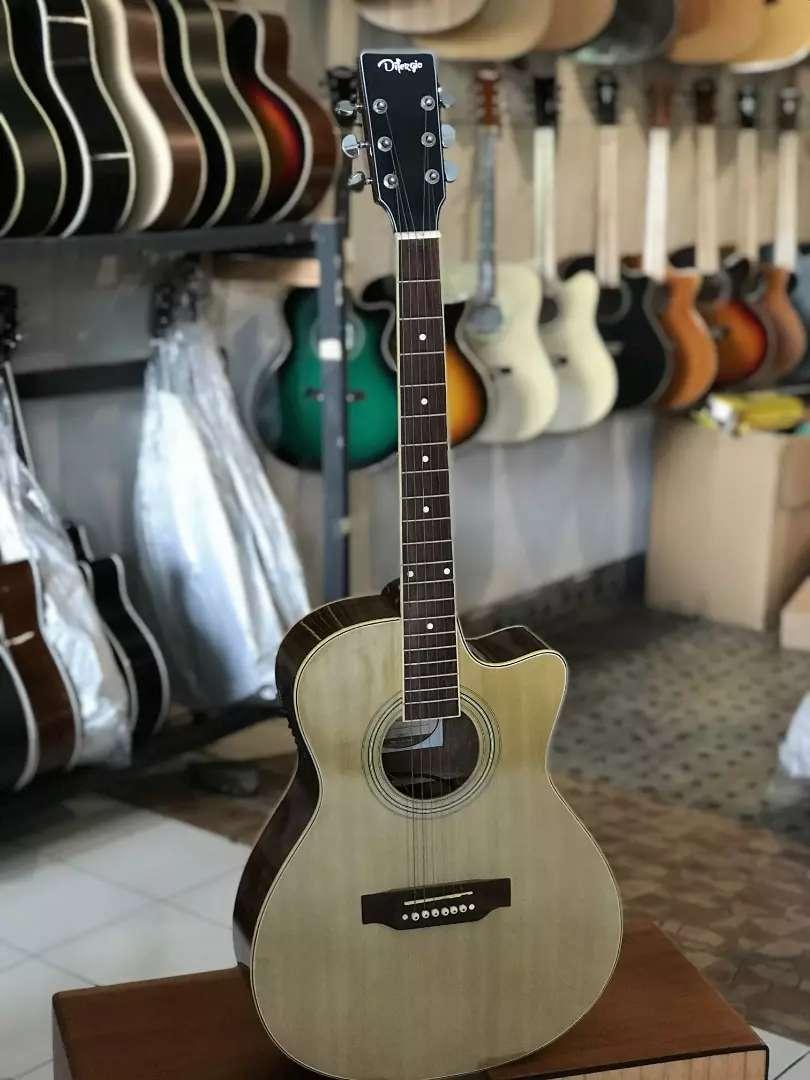Gitar akustik difergio narural 0
