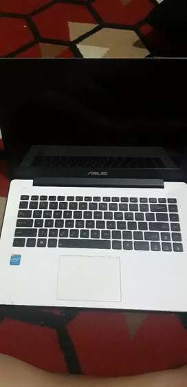 Jual cepat Laptop Bekas merk ASUS N13219 masih bagus