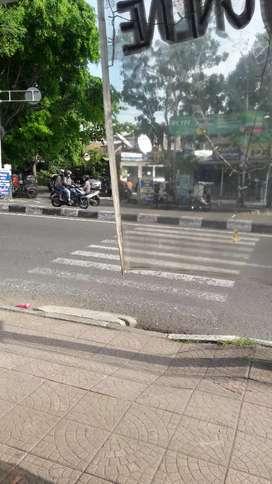 disewakan LAHAN STAND KIOS jln raya bgt,strategis tngah kota pusat TNI