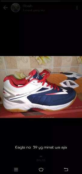 Eagle Sepatu Badminton