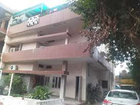 1 kanal kothi for sale 30 years old nice house near doaba sweets