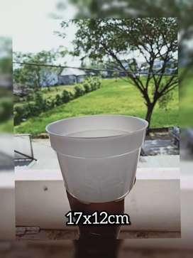 Pot bunga ukuran 17x12cm