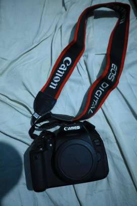Canon 700D with 18-135mm