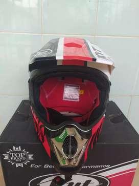 Dijual helm KYT Cross