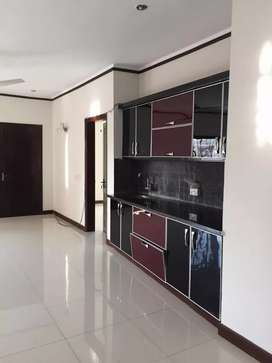 1000yd bunglow 6 bedroom green garden Defence (DHA )phase 5 Rent 5 lac