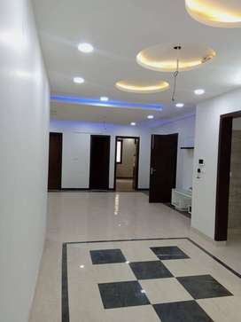 Specious & ventilated 4bhk builder floor with roof in sector 23