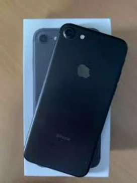 iPhone 7 32 GB Available for sale