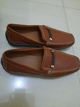 Sepatu vantofel Sepatu pria
