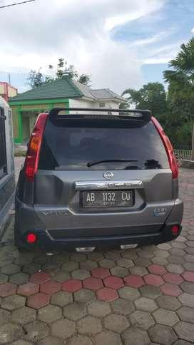 Nissan Xtrail 2.5 St at th.2009 Abu-abu istw AB jogya
