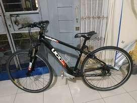 Sepeda merek ucc