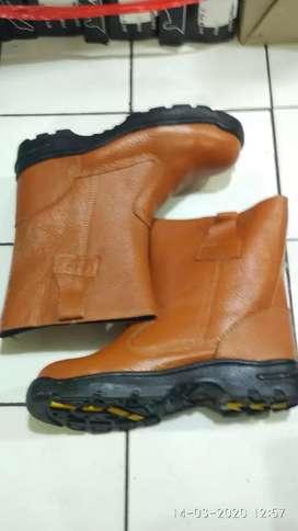 Sepatu Safety Lodong Kulit