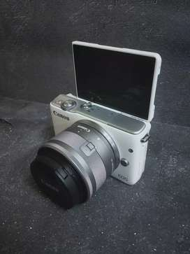 Canon eos m10 kit is stm