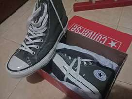 Converse Seventies, size 42. Made in vietnam