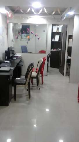 Fully Furnished Office Space for Sale at Budhwar Peth for 37 lacs!