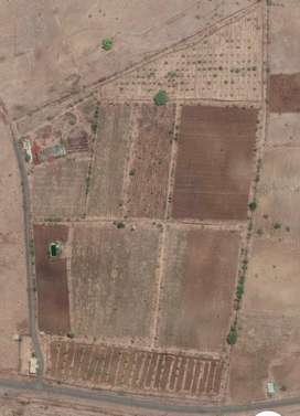 Well equipped agricultural farm on sale