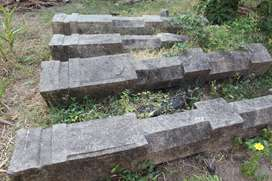 Stone pillar (historical) 4 nos