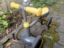 Sepeda balance anak