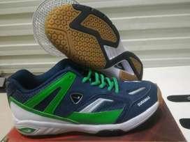 Sepatu Badminton Eagle Dura Skin size 40