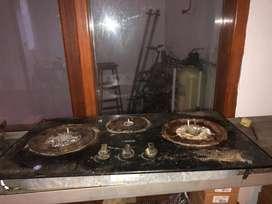 Bekas kompor gas delizia 3 tungku hidup perlu dibersihkan