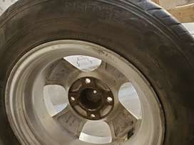 Dunlop tyre with alloy rims for sale 175/70/13 good condition