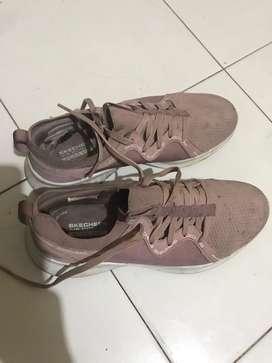 Sepatu go run skechers