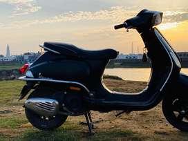 Vespa 125 black colour