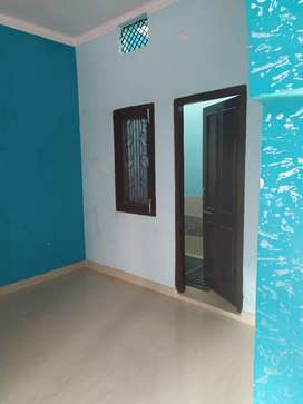 Room for rent available in kankhal near satikund