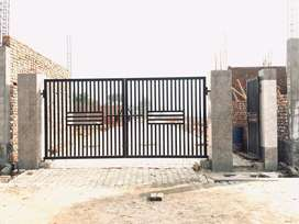 G Noida best location plots and independent house on 130 mtr road