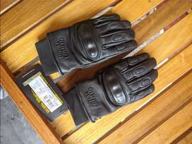Royal Enfield Spiti Leather gloves.