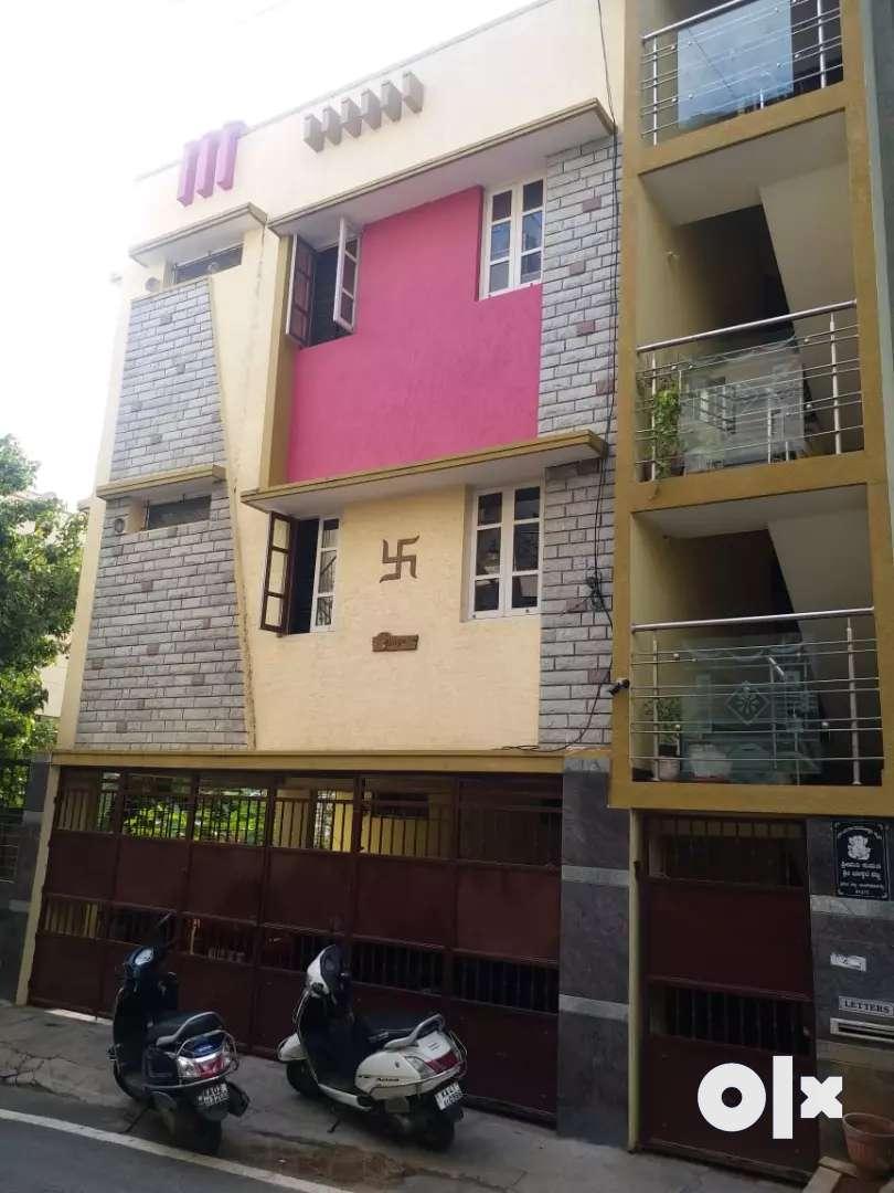 30*40 indpendent house for sale in Nagarabhavi 0