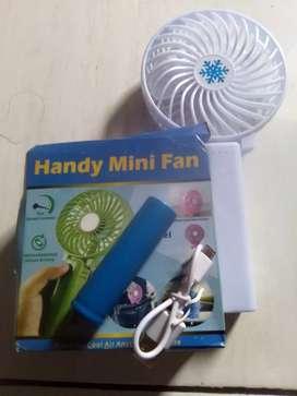 Handy mini fan (charger)