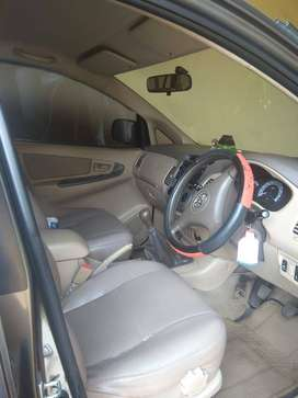 Toyota kijang Innova type G, bensin Pertamax,th 2008, manual