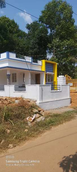 3 BHK With Well Water Kothamangalam Pareekanny two bedrooms bath attac