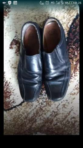 Sepatu kantor clarks original