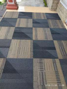 jual karpet tile/kotak uk 50x50 bekas kantor hotel