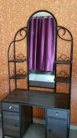 Dressing Table (Antique)