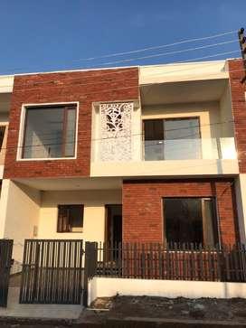 100 Gaj independent villa,sector 125 sunny enclave