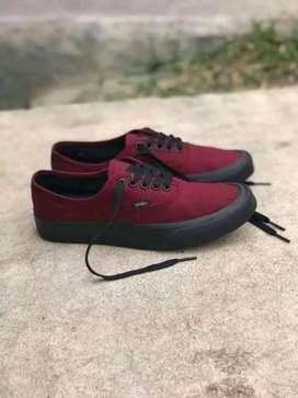 Sepatu sneakers terbaru vans013(BARANG SAMPAI BARU BAYAR COD)