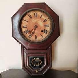 Antique wall clock& philips radio (valve set)