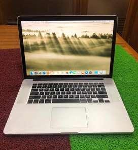Apple MacBook Pro / 2019 / 15inch / i7 / 16GB / 512GB / Working Smooth