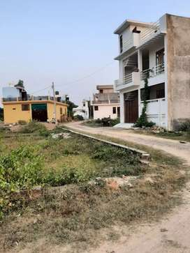 Get book residential plots nearby alambagh