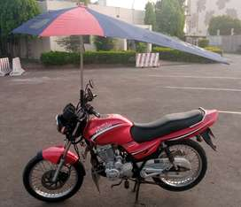 Ravi Piaggio 125 With Sunblock Umbrella