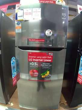 LG 2 Door Refrigerator GNC422