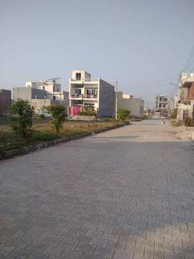Corner 100gaj plot for Sale in Derabassi near Zirakpur