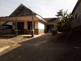 Rumah Lawang di Lereng Gunung Arjuno