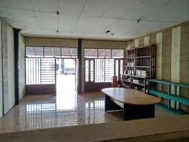 Bangunan untuk Usaha Pinggir Jalan Parangtritis km 4.3.