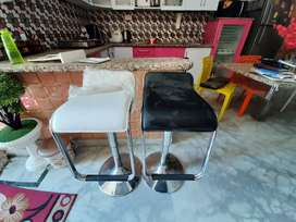 Bar Chairs,brand new condition. Rarely used before.two colors.