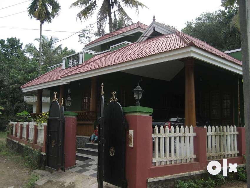 2 BHK, 3 bathrooms house for sale near Hill Palace, Ernakulam 0