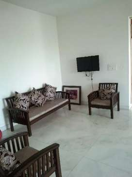 One kanal house 3bhk independet first floor